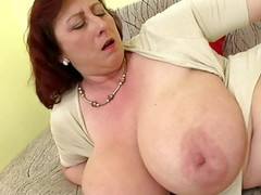 Mature queen mom with big tits and hungry cunt Thumb