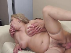 Mature amateur mom suck and fuck young cock Thumb
