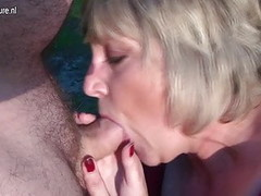Mature mother Monieka sucks cock and squirts like crazy Thumb
