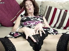 Hot skinny granny sets her pussy on fire Thumb