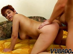 SHORT HAIRED MILF FUCKS YOUNG STUD !! Thumb