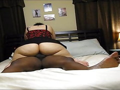 Mature S1EP1 : Housewife with big ass fucked in the bedroom Thumb
