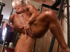 Female Bodybuilder Lisa Cross Plays w her Fucking Big Clit Thumb