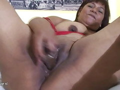 Mature chubby slut mom Olga loves to get wet and wild Thumb
