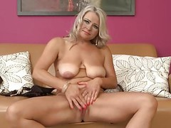 Sexy Czech mother with very hungry vagina Thumb