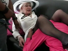 French granny Irma fucked in a threesome Thumb