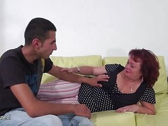 Mature slut mom fucking and sucking a hard cock Thumb