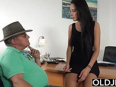 Caught Grandpa Having Sex With Young Brunette at her job Thumb